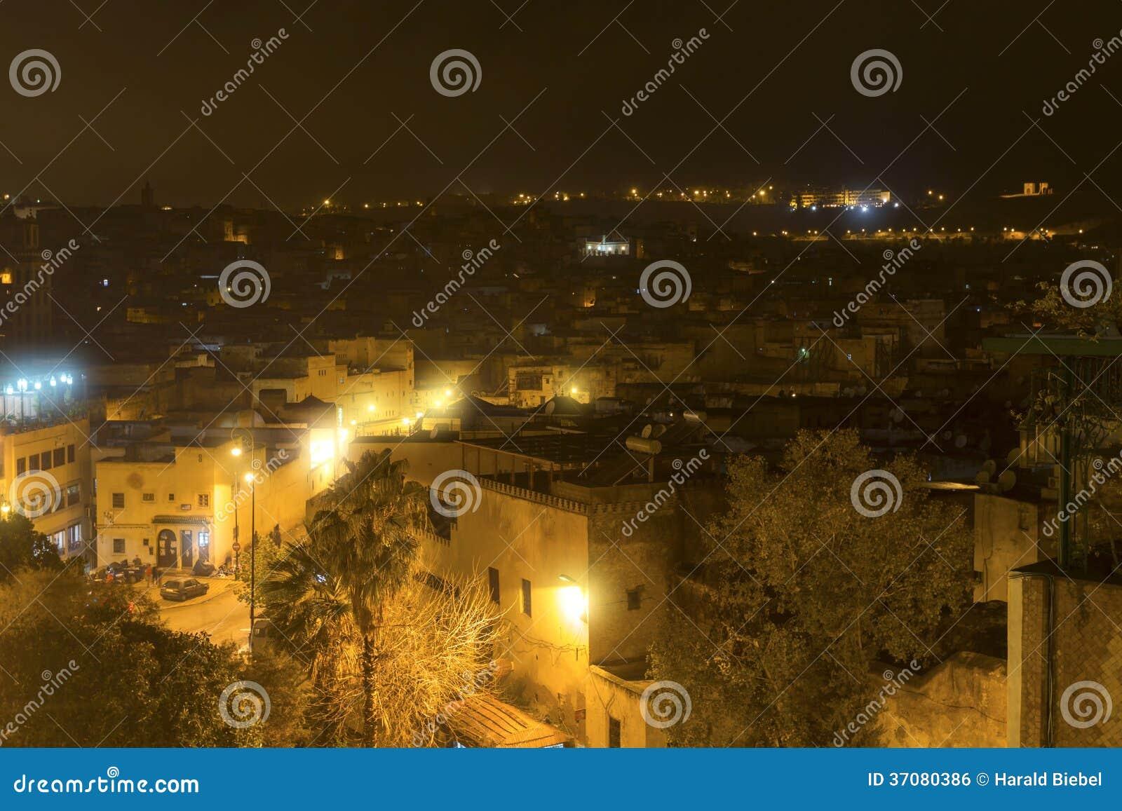 Download Miasto Fes W Maroko, Afryka, Przy Nocą Zdjęcie Stock - Obraz złożonej z fezzes, budynek: 37080386