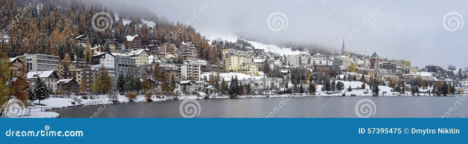 Miasto na jeziora St Moritz