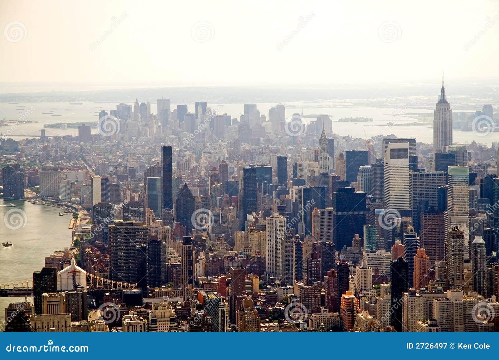 Miasto zamglona nowa linia horyzontu York