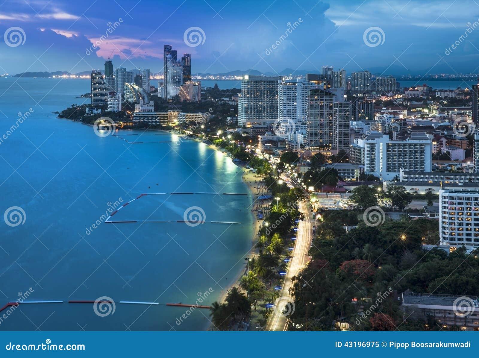Miastowa miasta linii horyzontu, Pattaya zatoka, i plaża, Tajlandia