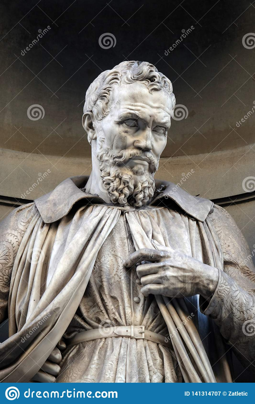 Michelangelo Buonarroti, statua w niszach Uffizi kolumnada w Florencja