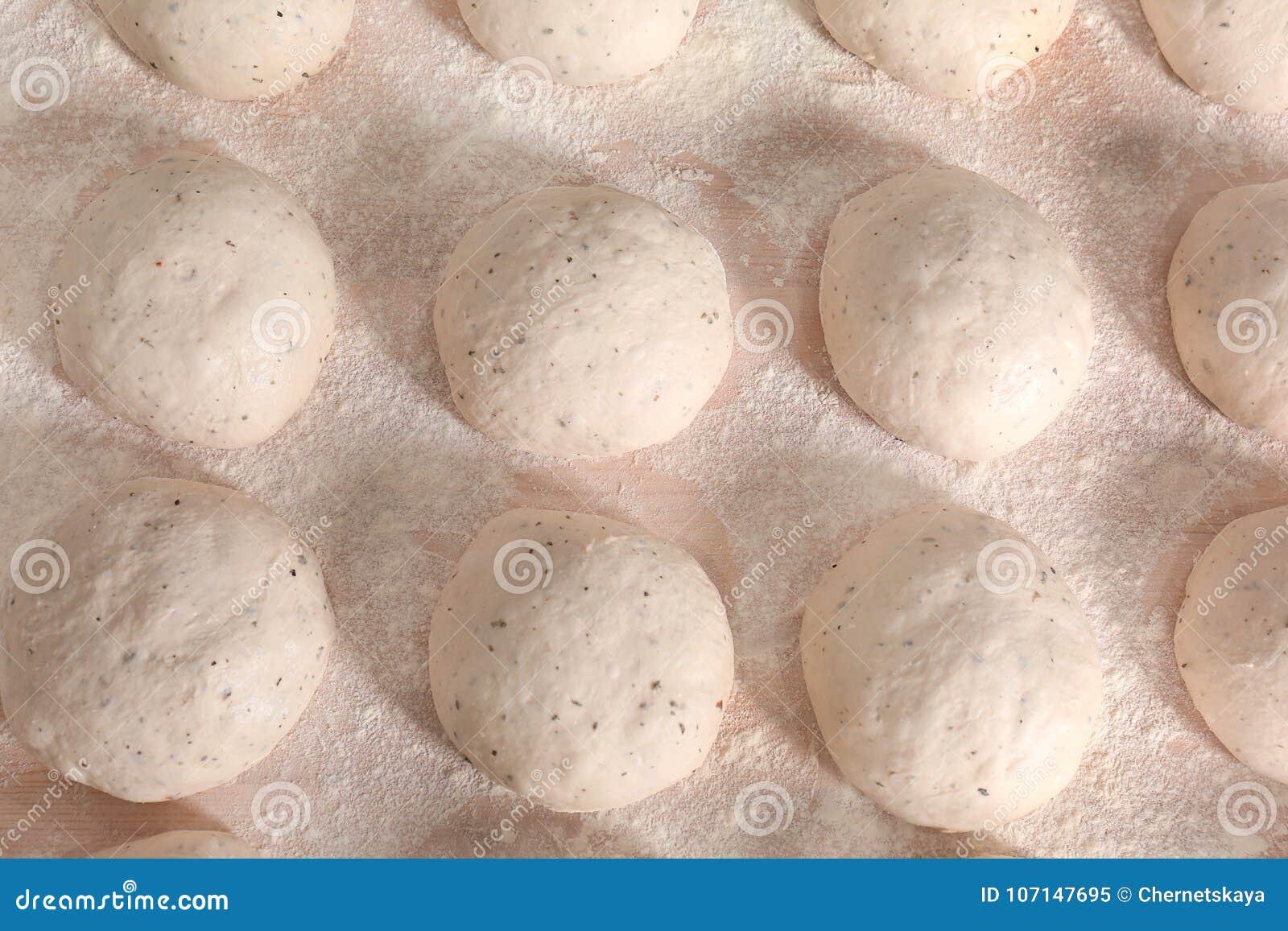 Miches de pain crues