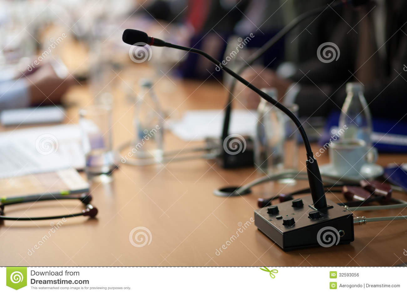 Michrophone na tabela de conferência
