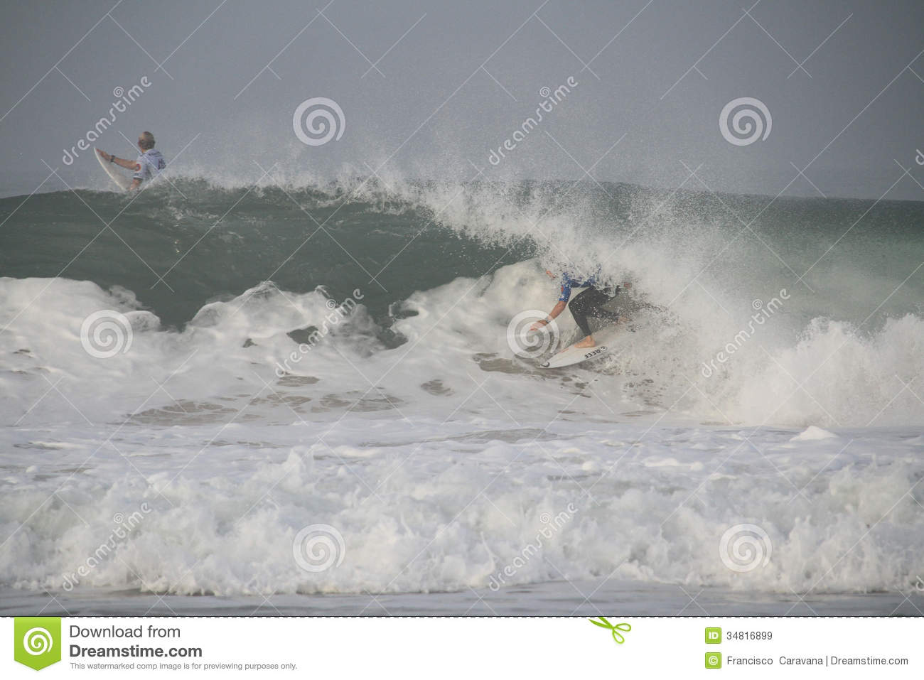 Fanning tube riding a wave