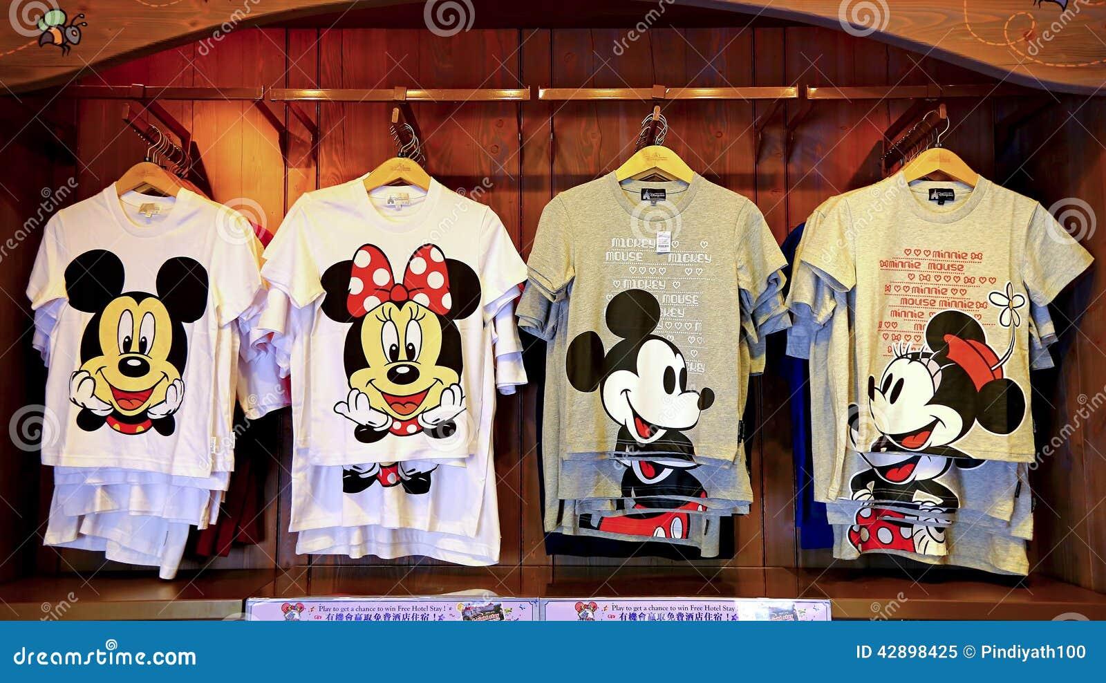 Mickey de Disney y colección de las camisetas del ratón de minnie