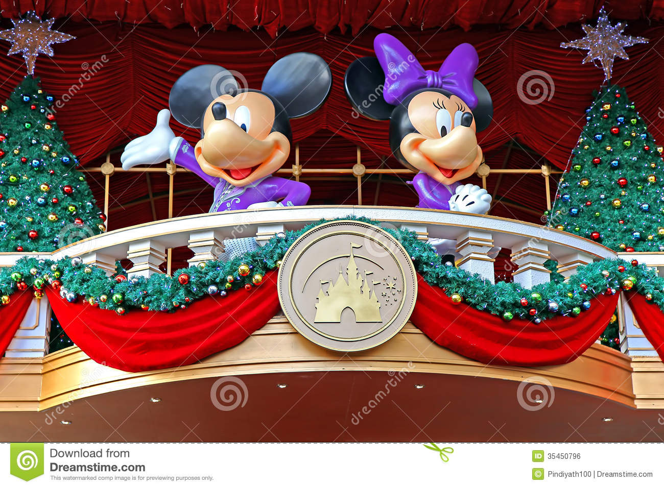 Mickey And Minnie Mouse Christmas Decoration Editorial Photo ...