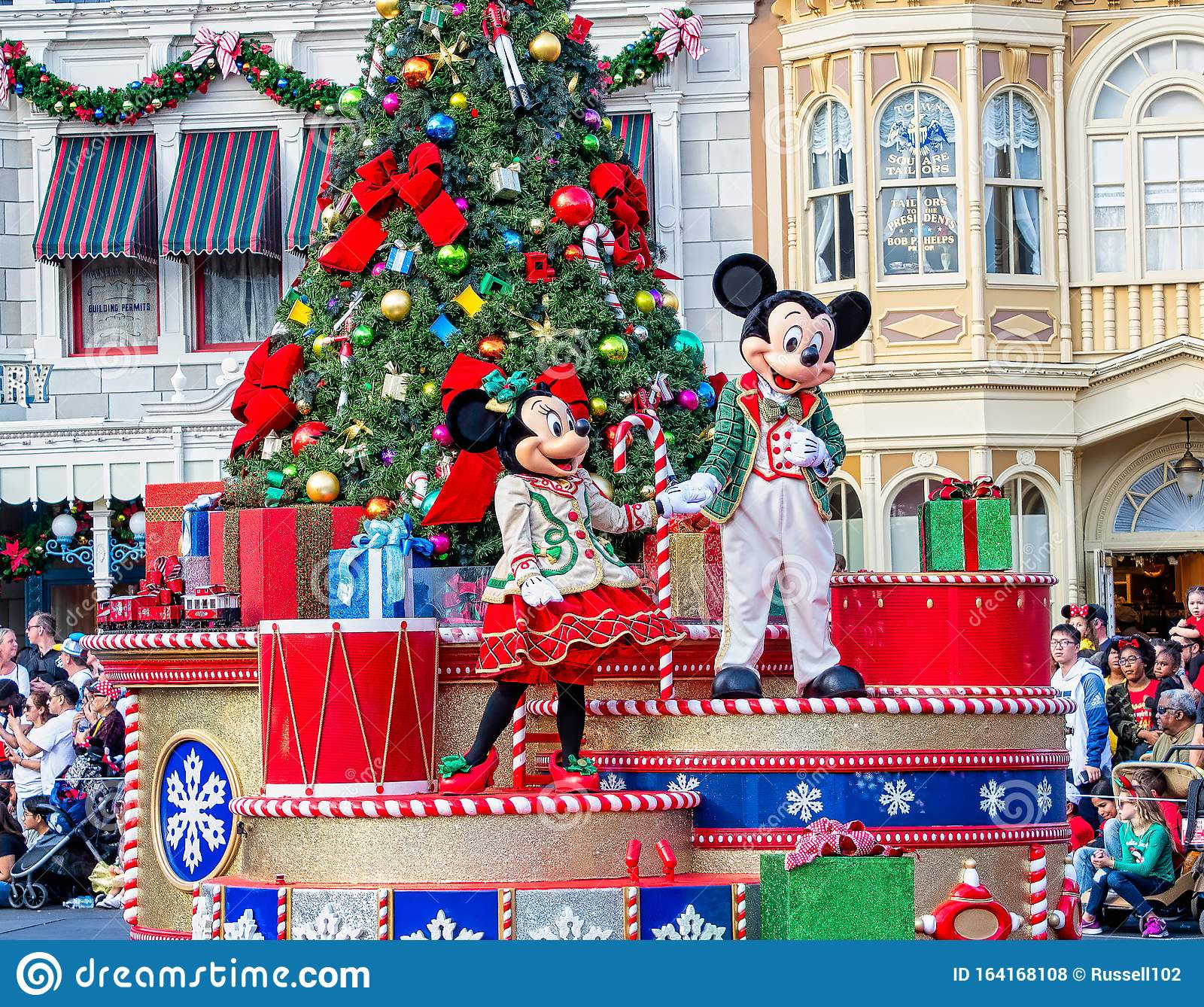 546 Mickey Mouse Christmas s Free & Royalty Free