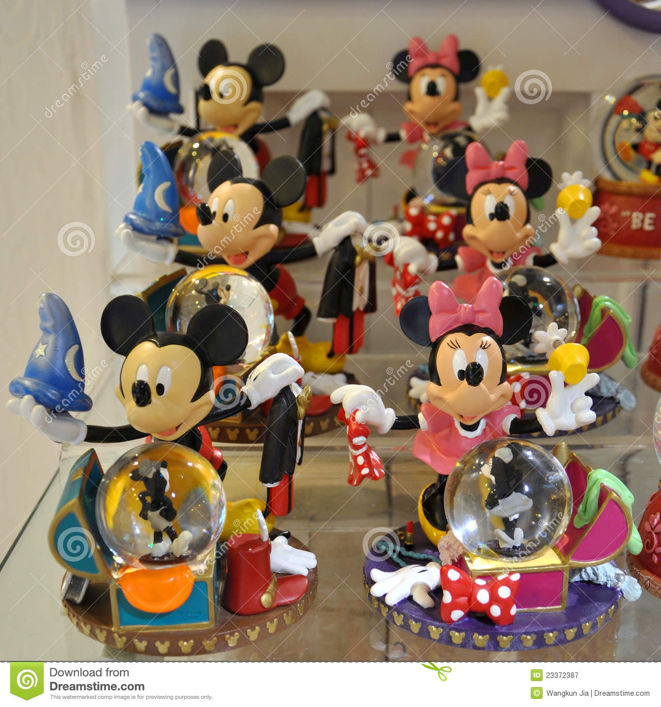 Mickey and minnie mouse decoration editorial photography for Deco mickey