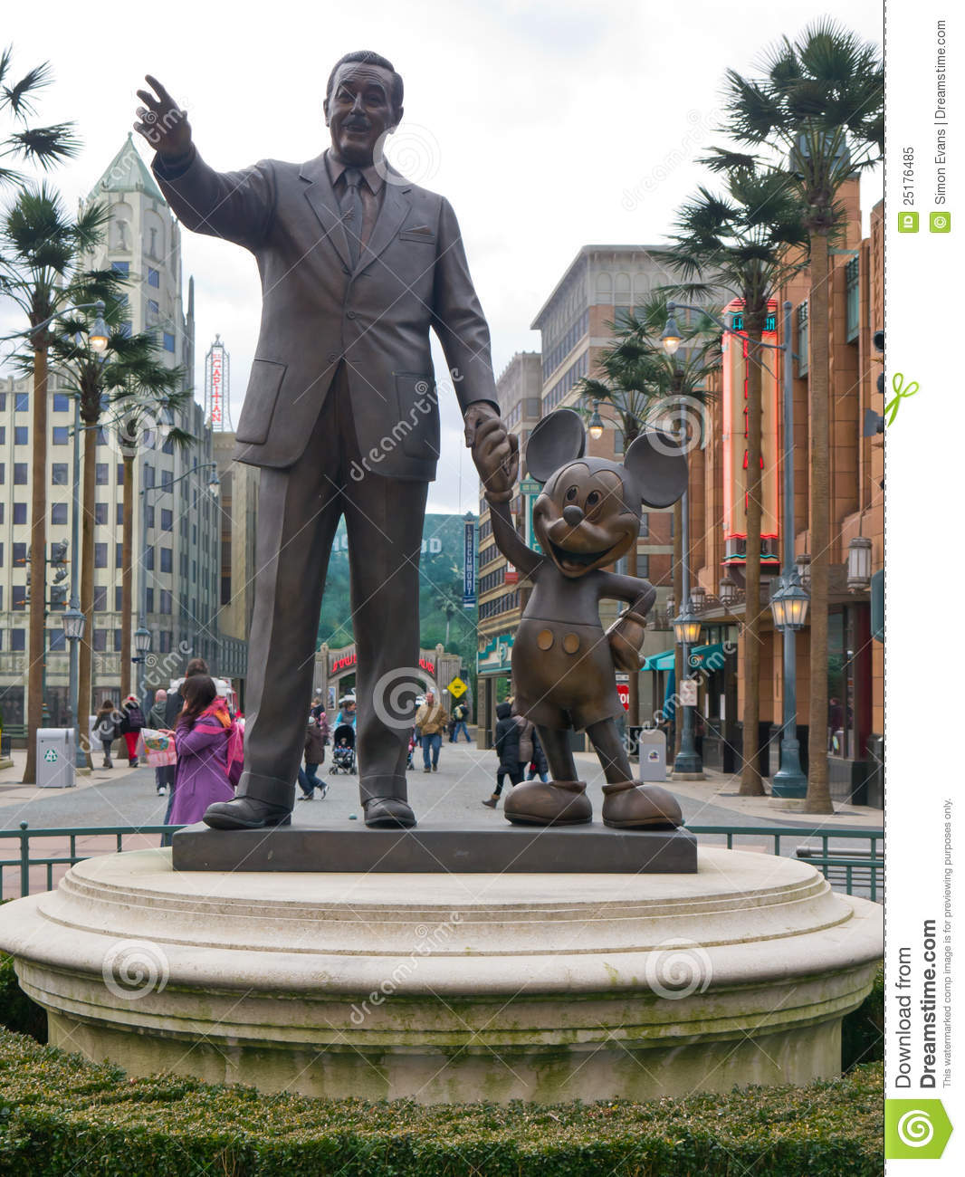 Mickey And Walt Statue Editorial Image Image Of Statue 25176485