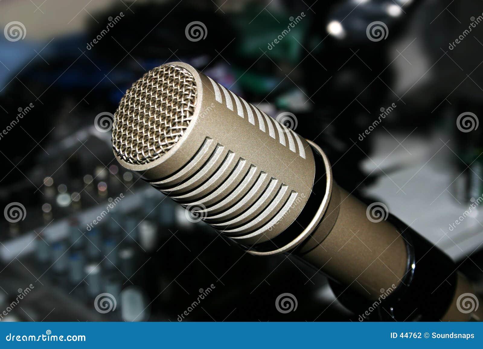 Download Micrófono y mezclador foto de archivo. Imagen de cromo, micrófono - 44762