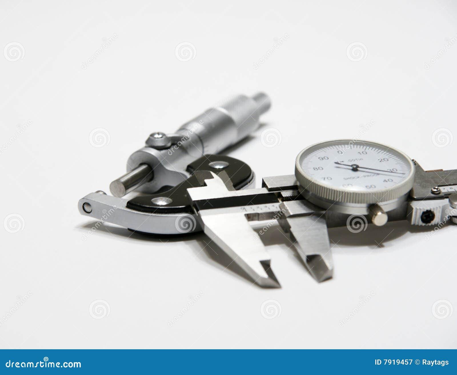 Micrômetro e compasso de calibre