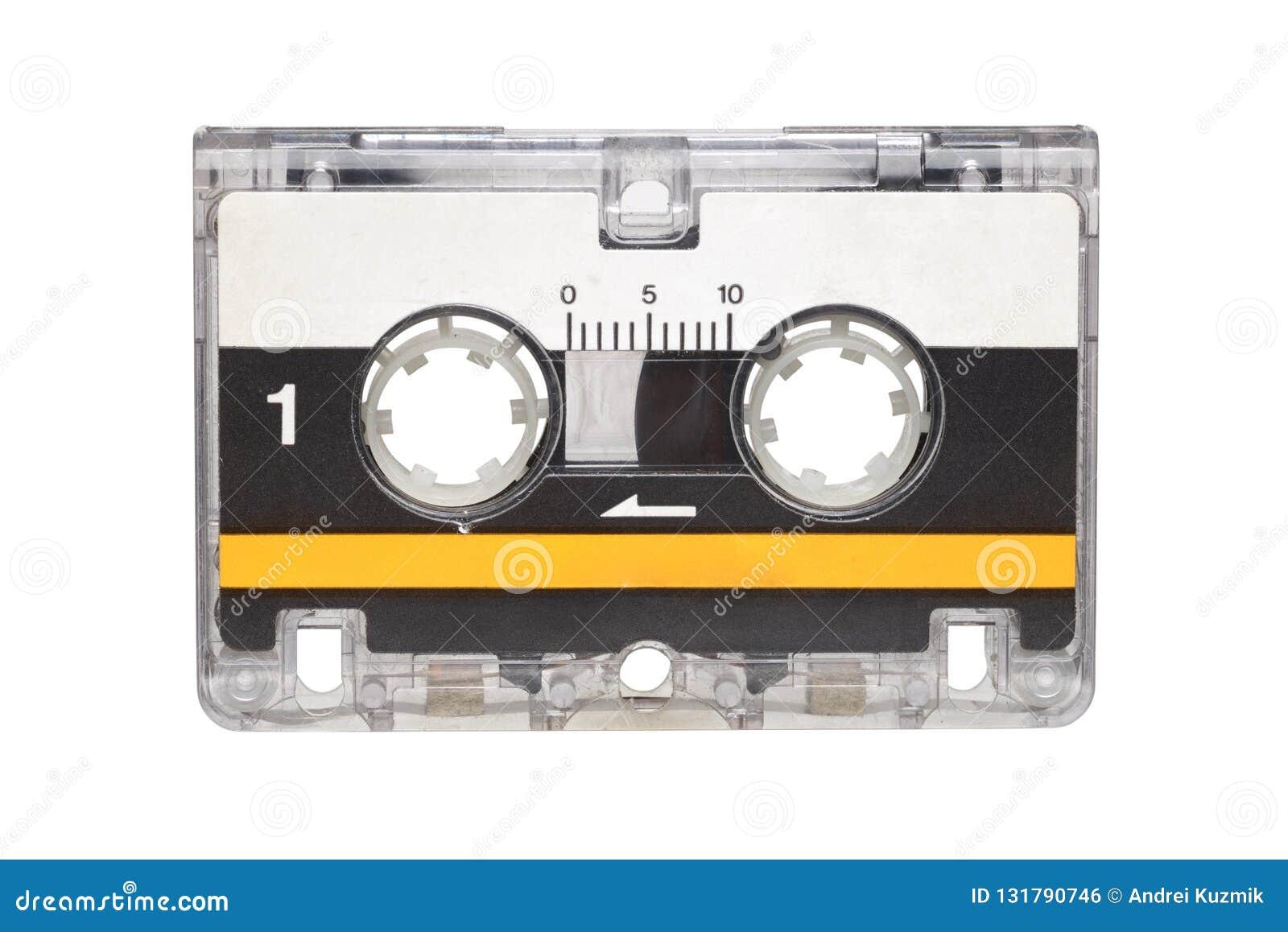Microcassette isolado no fundo branco