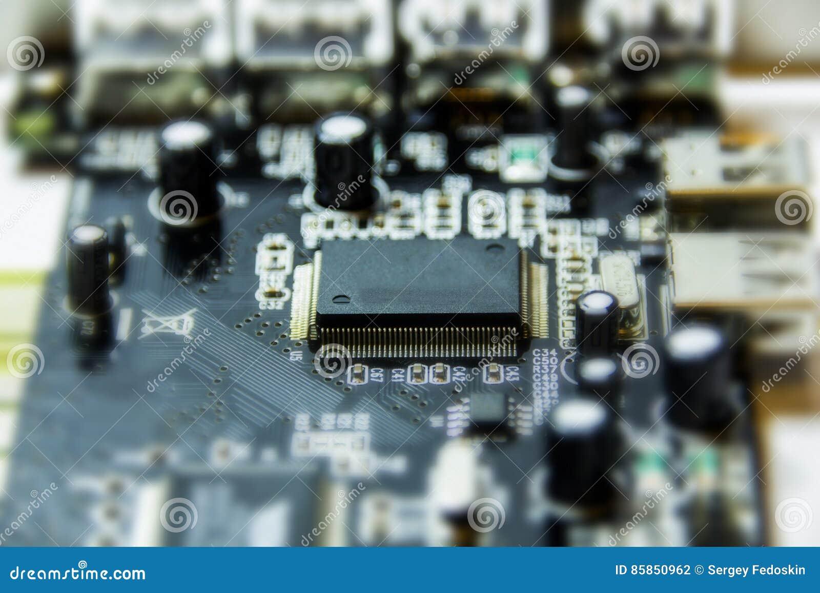 Microchipes y transistores