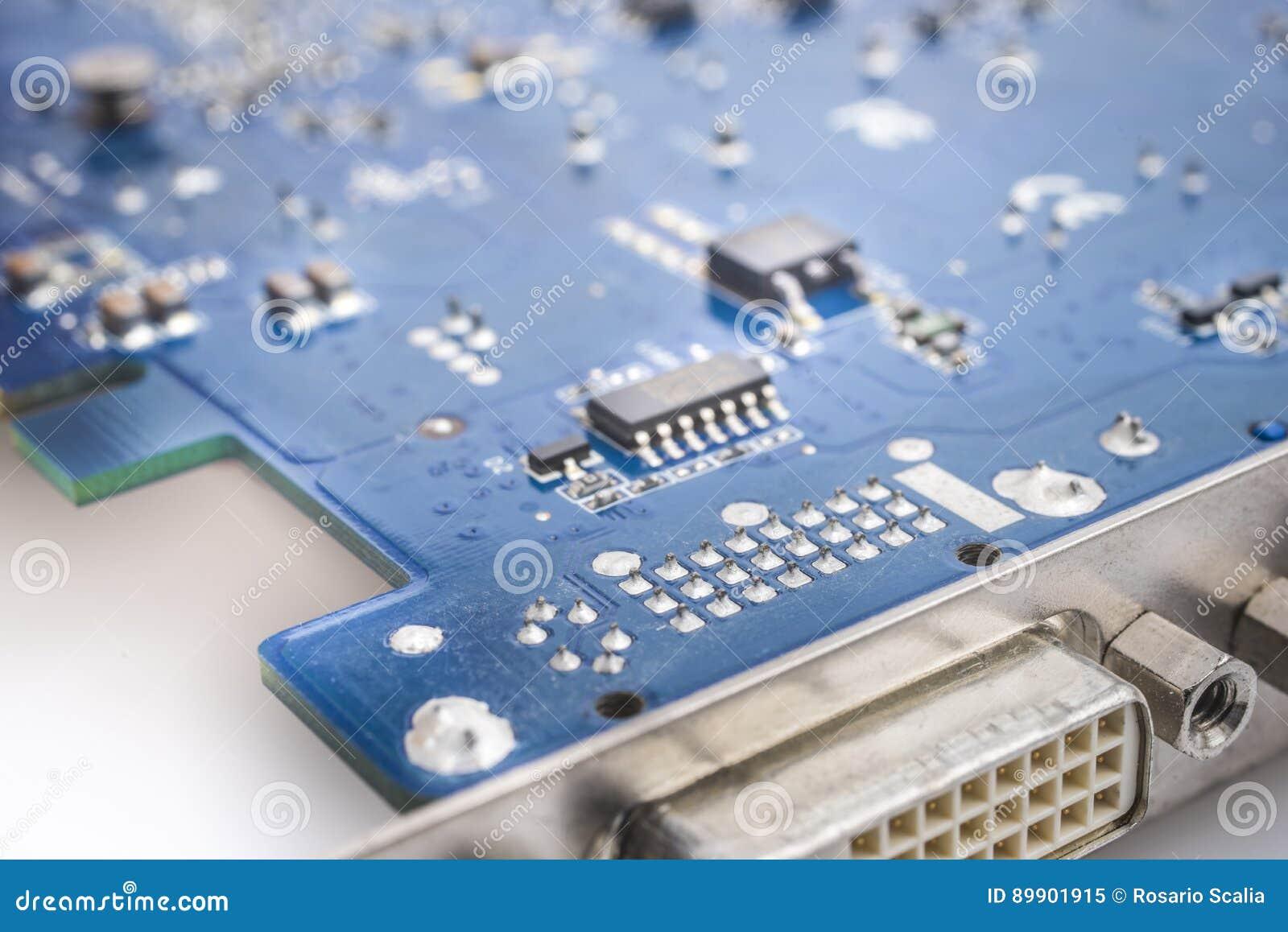 Microelectronic strömkrets för videokort