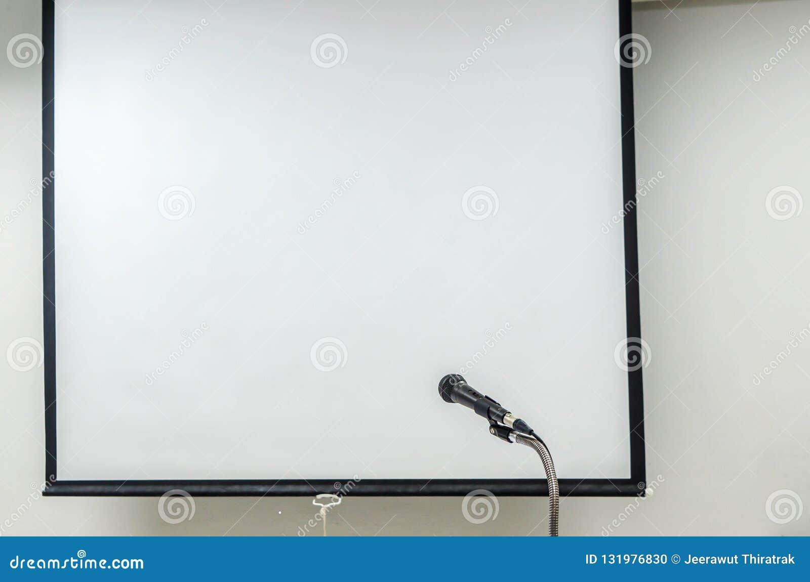 Microfone com tela do projetor