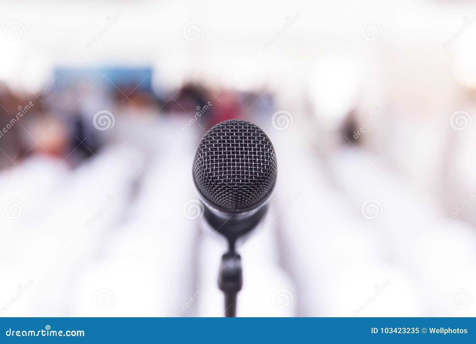 Microfono a fuoco, sala per conferenze senza sala nei precedenti