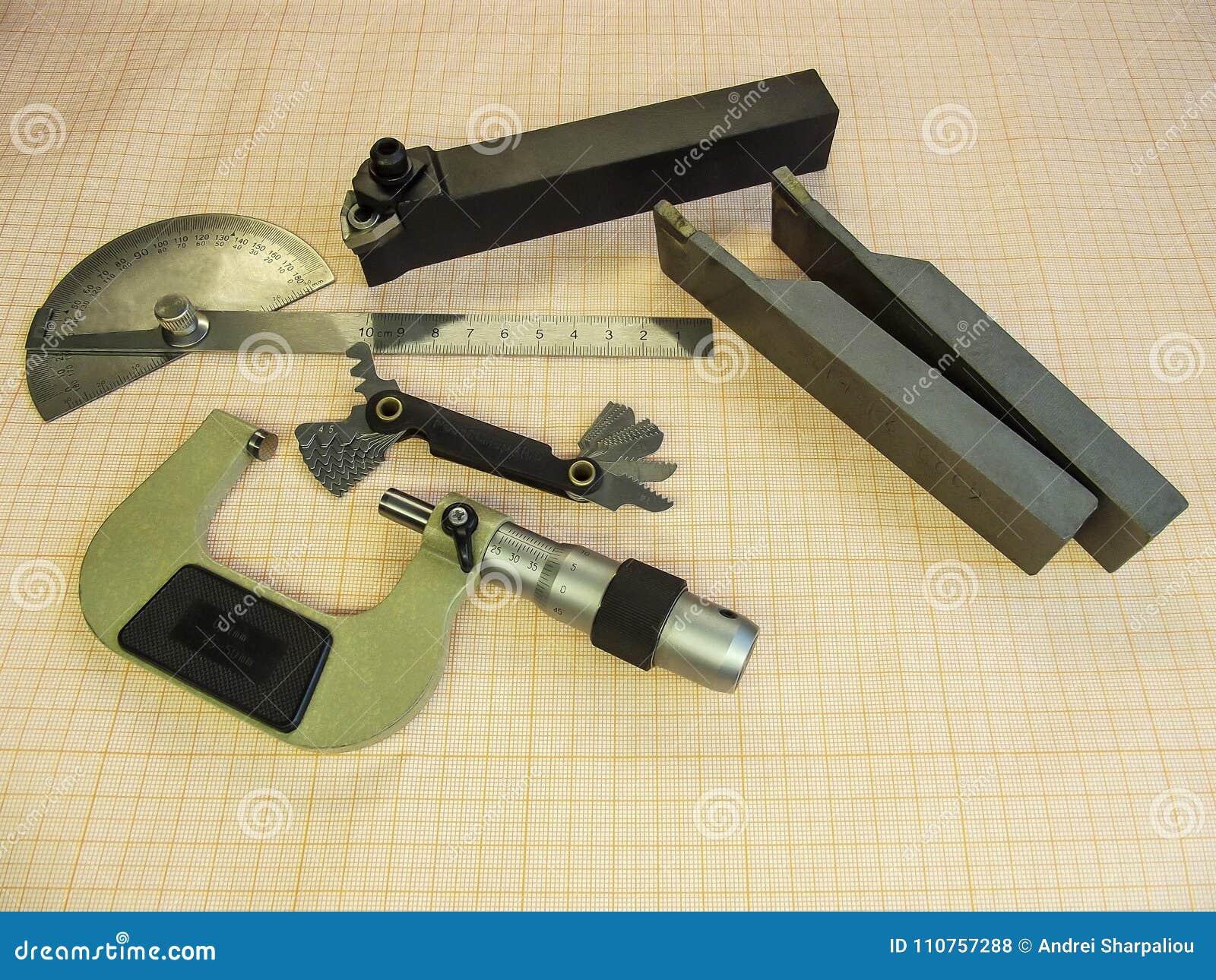 Micrometer, instrument in metaal het machinaal bewerken