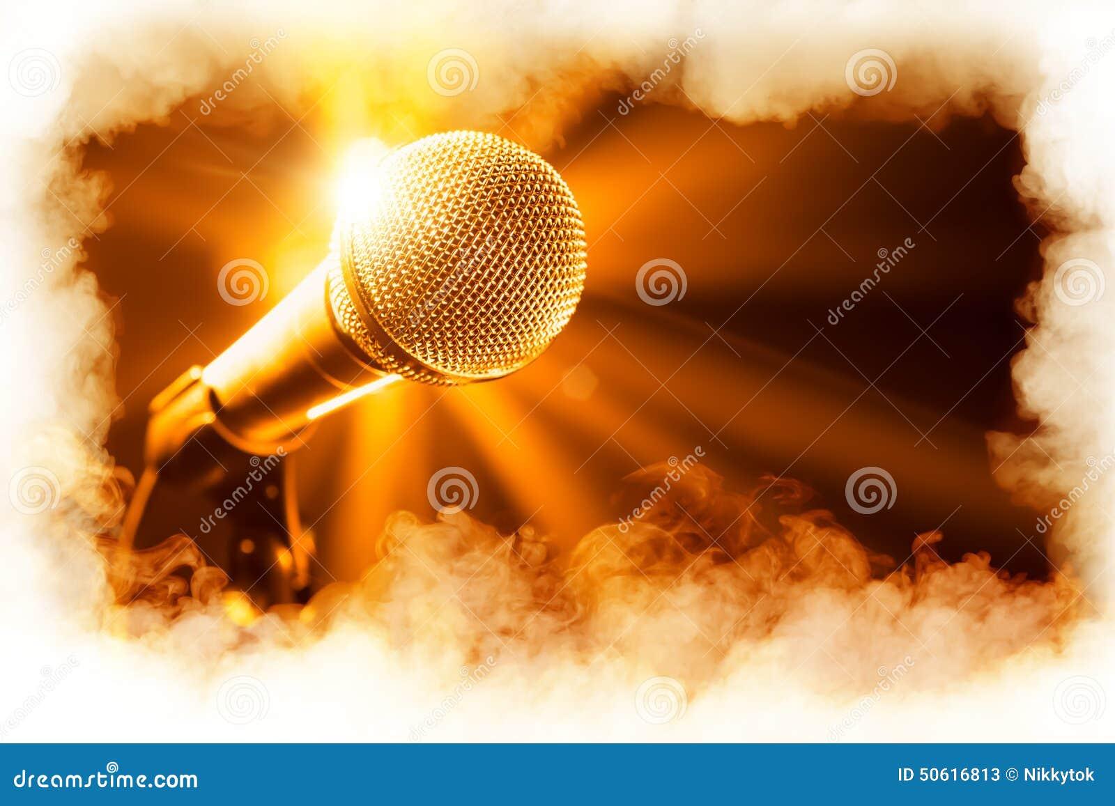 Microphone d or sur l étape