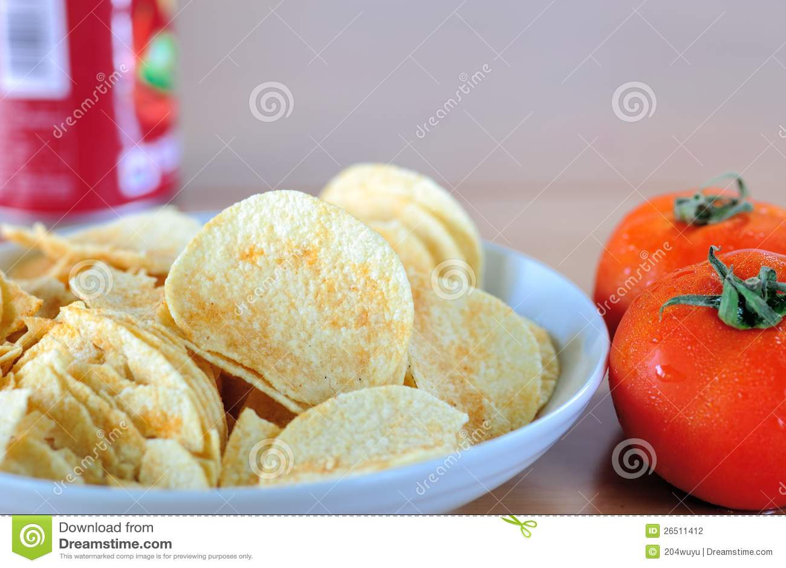 Microplaquetas e tomate de batata
