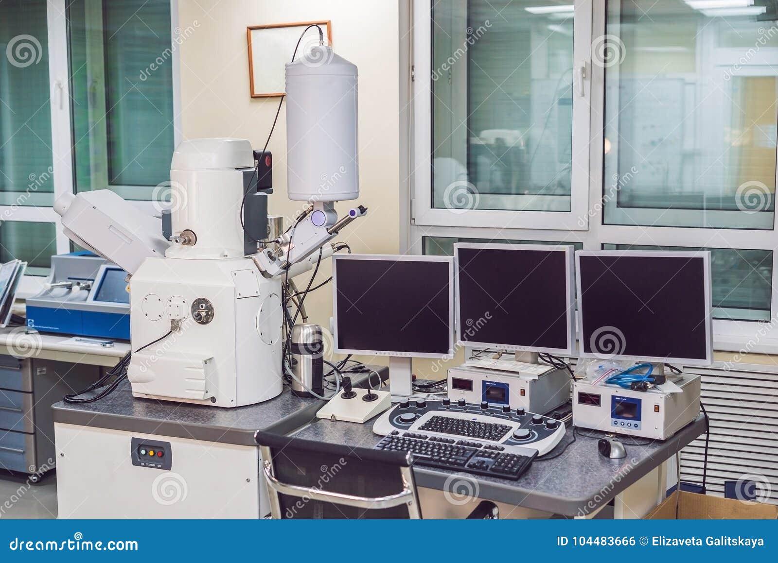 Microscope à balayage électronique de balayage