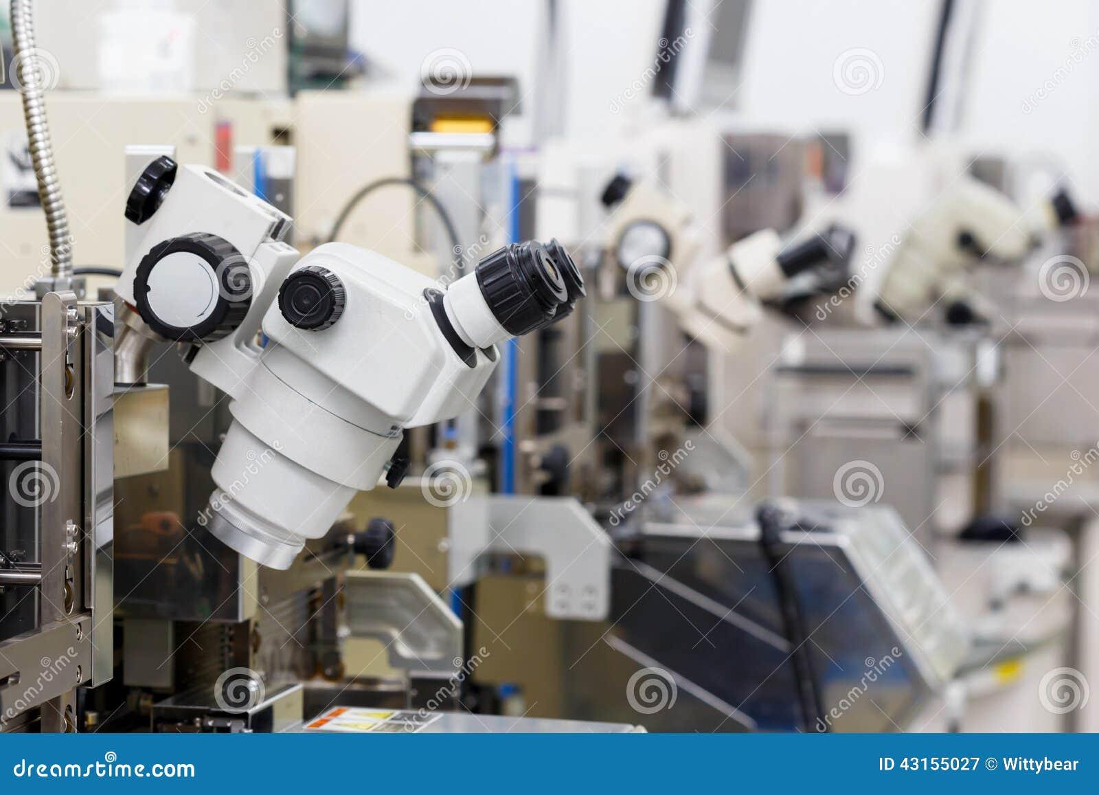 Microscopio per fabbricare