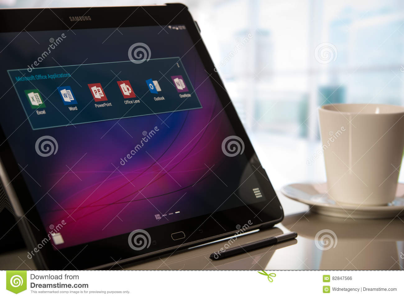 Microsoft Office Applications On Samsung Tablet With Android