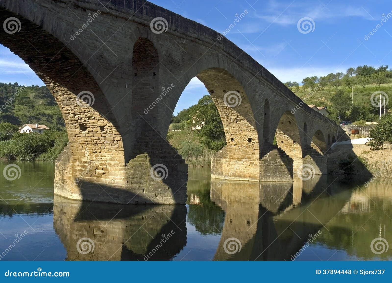 Middeleeuwse brug, rivier Arga, Puente DE La Reina