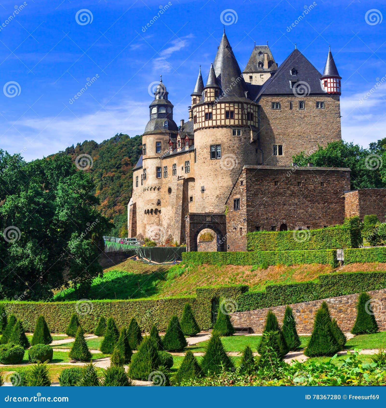 Middeleeuwse kastelen van Duitsland - Burresheim in Rijn valle