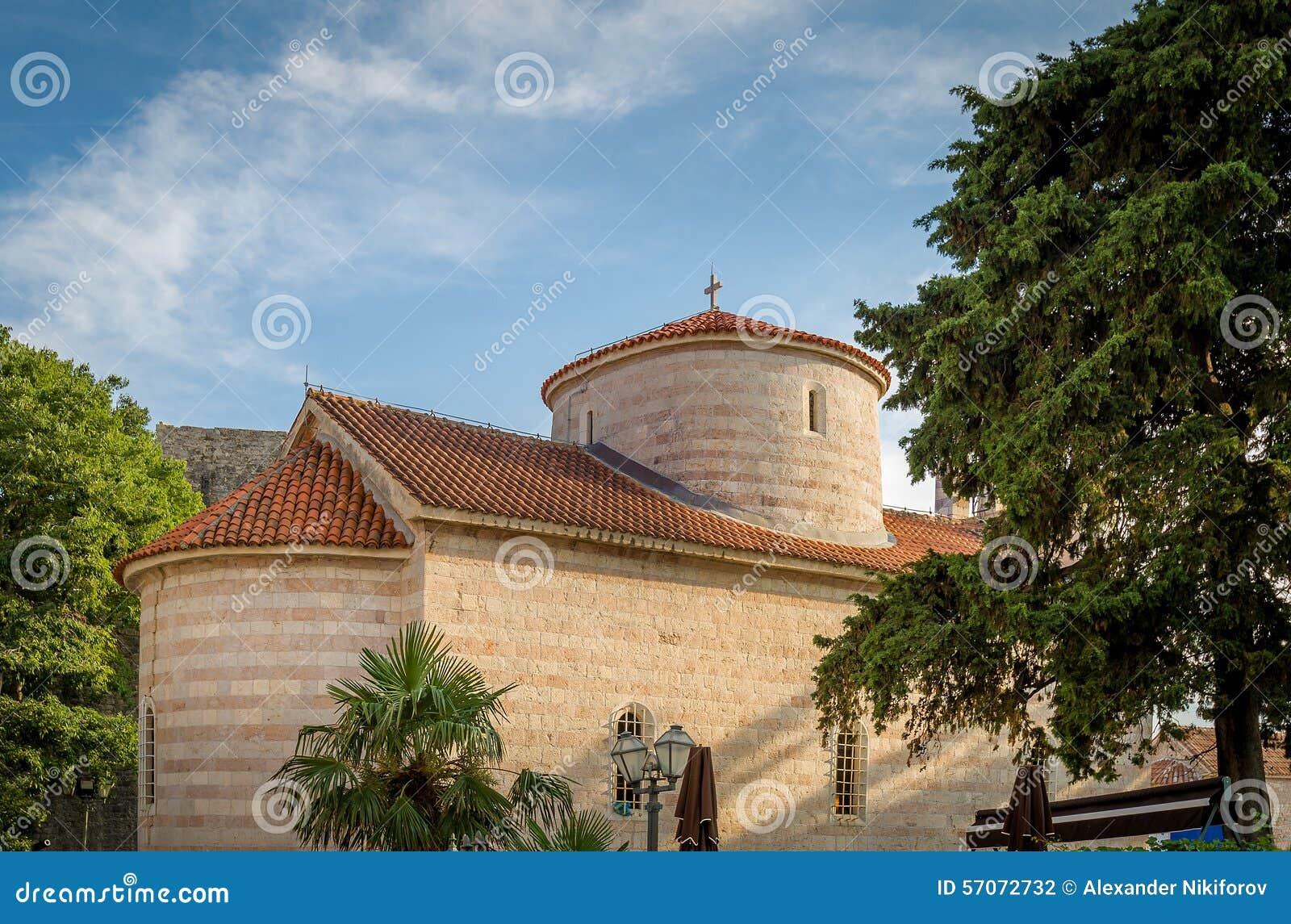 Middeleeuwse kerk in Budva
