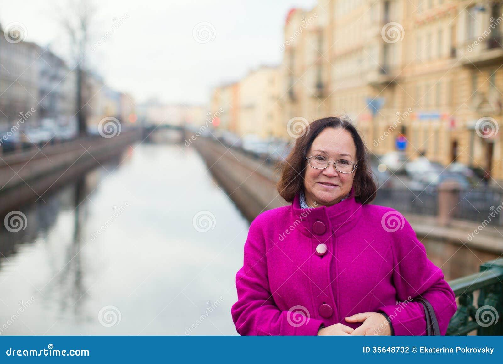 saint petersburg single women From saint-petersburg  all russian and ukrainian women / meet single russian girls from saint-petersburg cities arkhangelsk 14 .