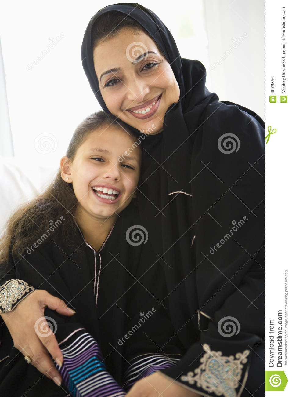 middle eastern single women in gratis Find middle eastern personals listings on oodle classifieds join millions of people using oodle to find great personal ads don't miss what's happening in your neighborhood.