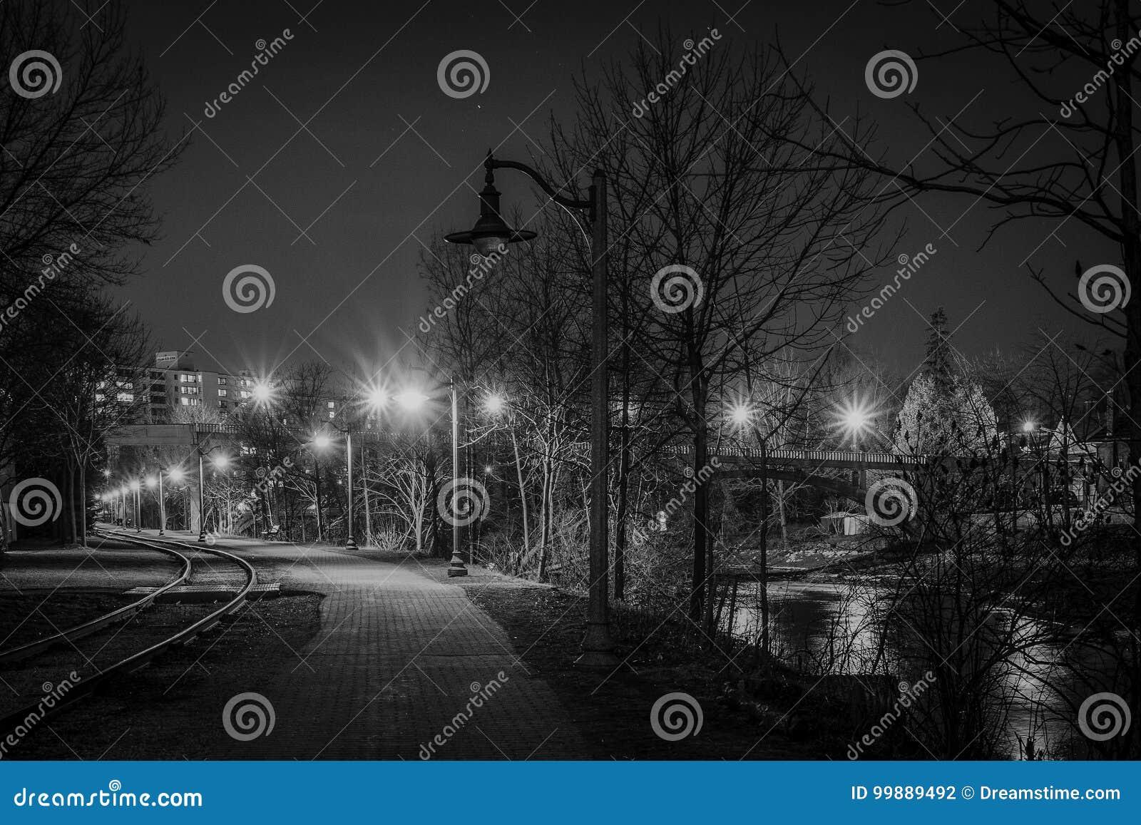 Midnight przespacerowanie