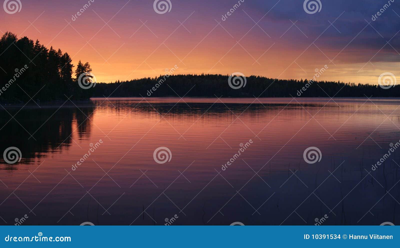 Midnight sun lake