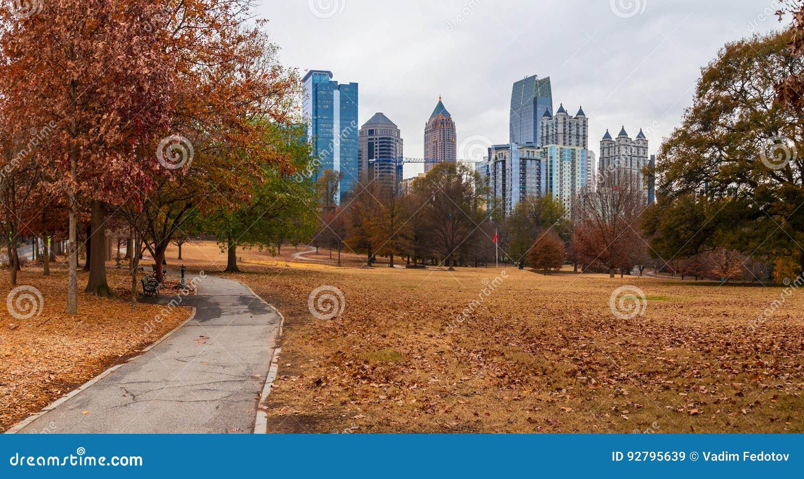 Midtown Atlanta And Oak Hill In Piedmont Park, USA Stock