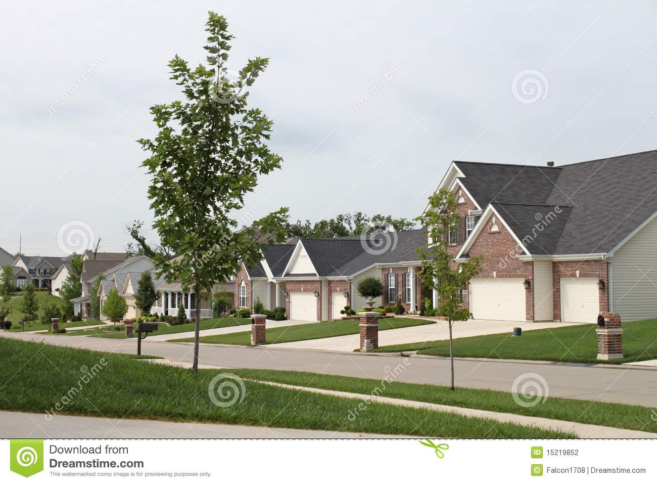 Midwest homes stock photography image 15219852 for Midwest home builders