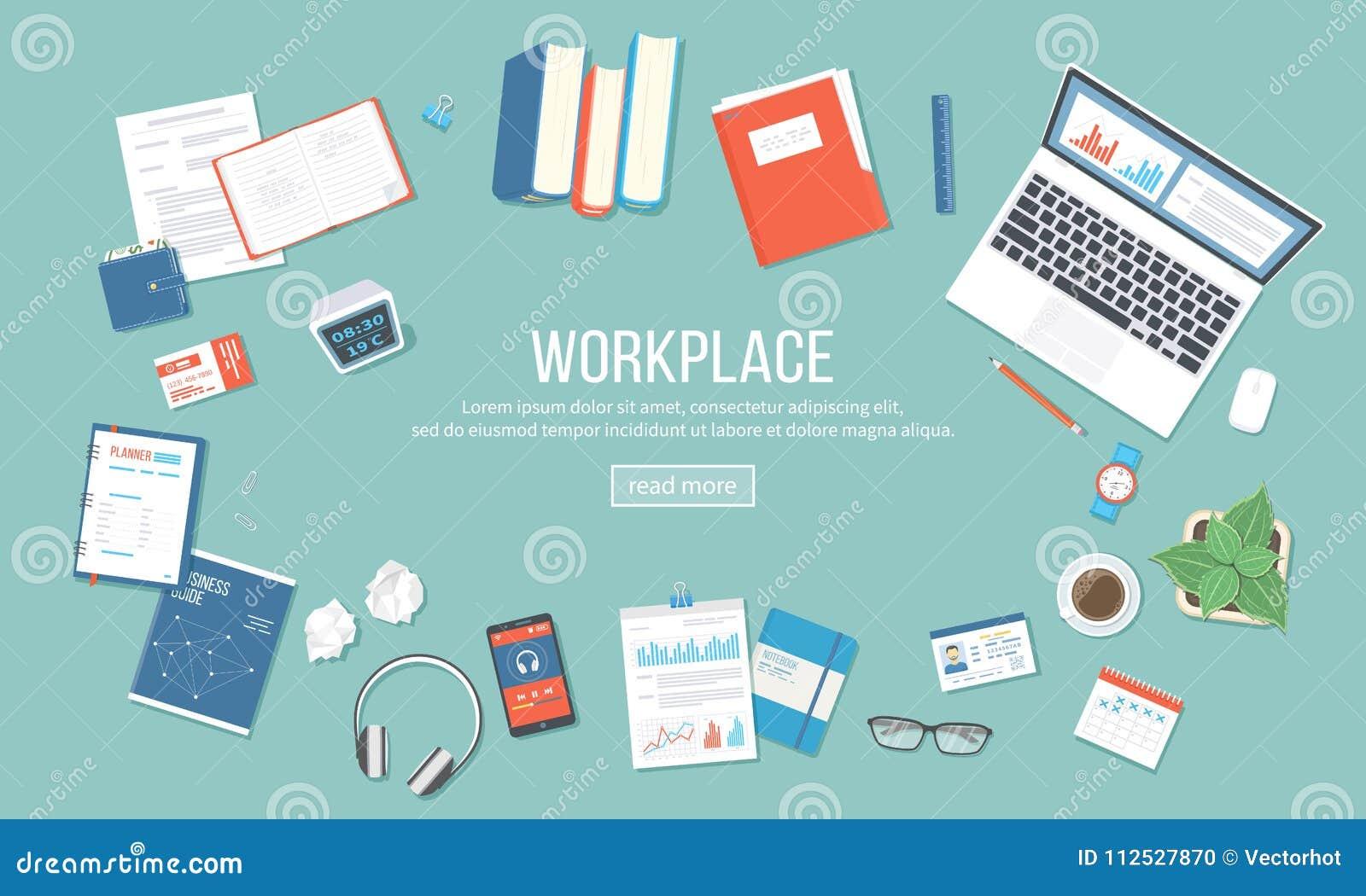 Miejsca pracy tło Odgórny widok stół z dostawami laptop, książki, dokumenty, falcówka, notepad, kalkulator, kalendarz, hełmofony,