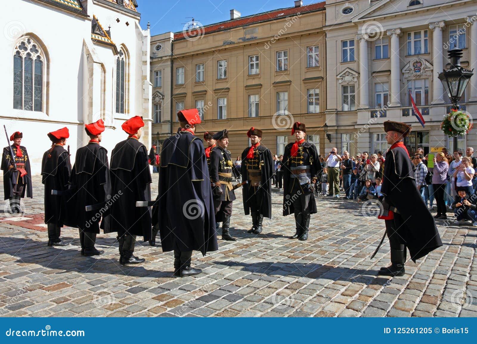 Miembros del regimiento del pañuelo