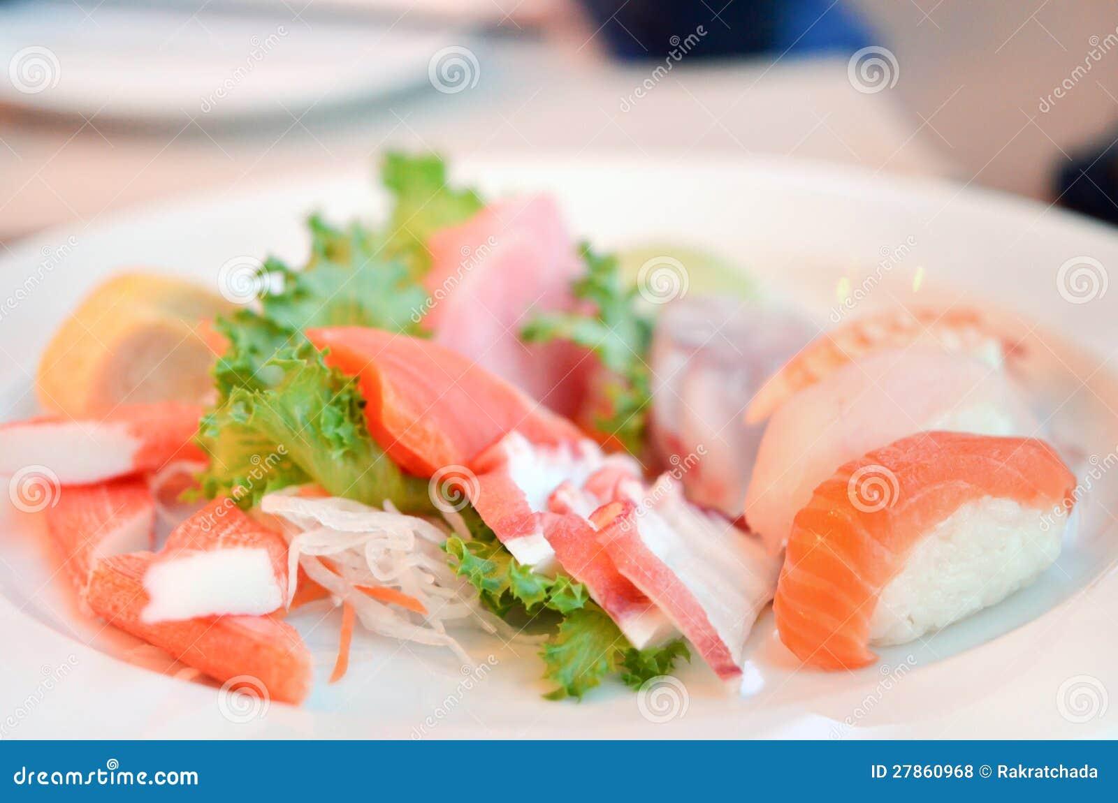 Mieszany suszi i sashimi