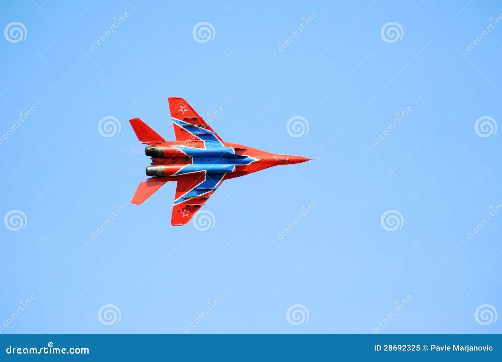 Aereo Da Combattimento Russo : Mig russo un aereo di combattimento da m immagine