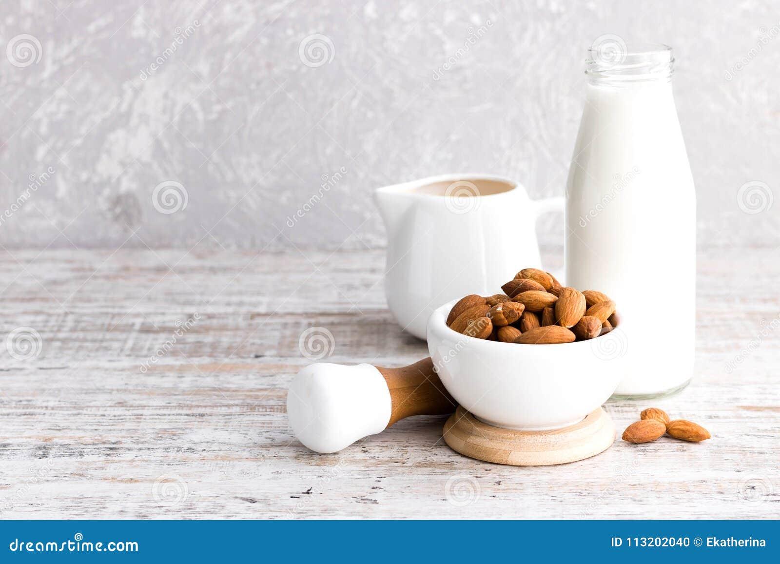 Migdały i migdału mleko