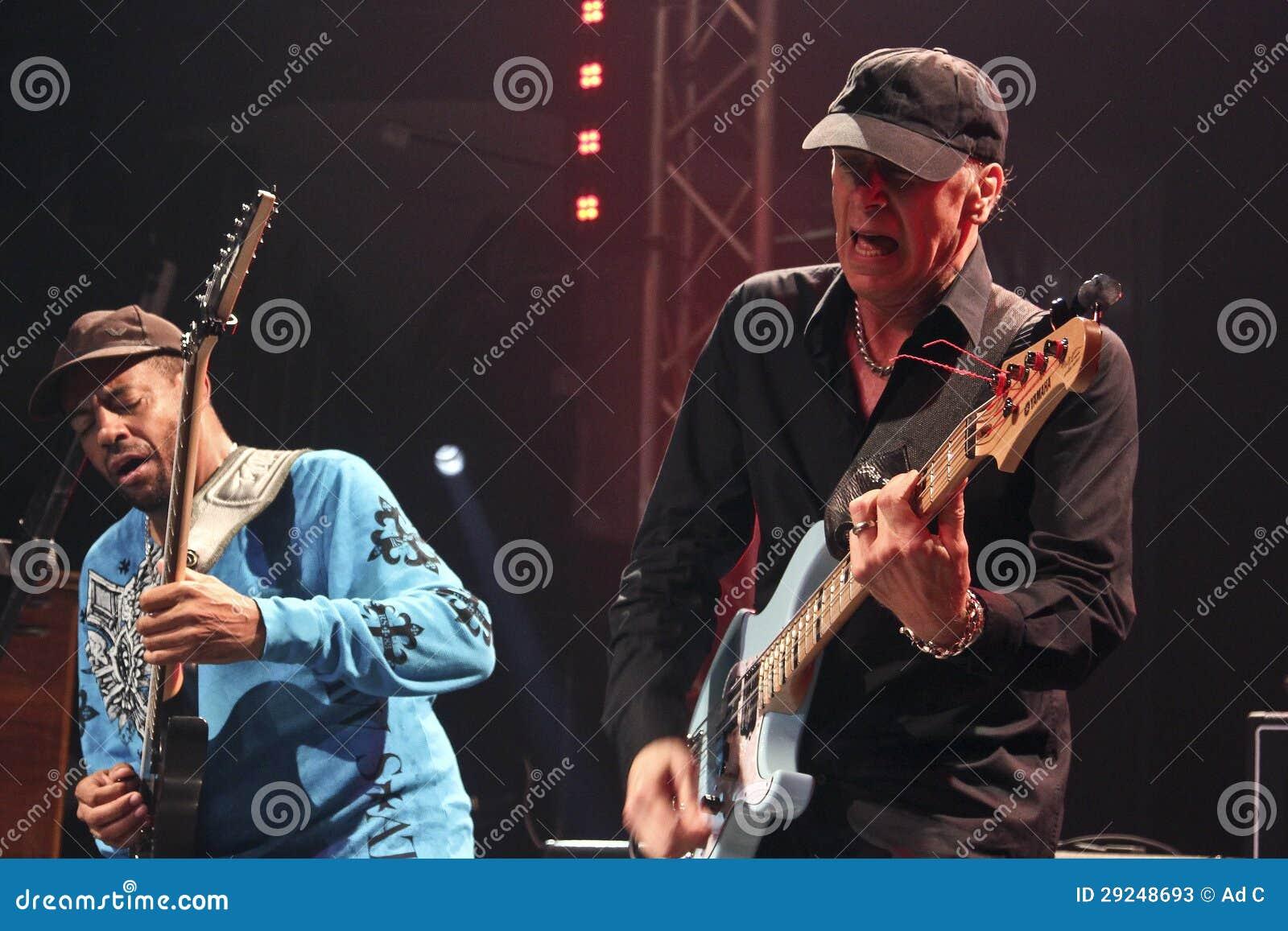 Download Mike Portnoy, Billy Sheehan, Tony MacAlpine E Derek Sherinian No Concerto Foto de Stock Editorial - Imagem de legendário, famoso: 29248693