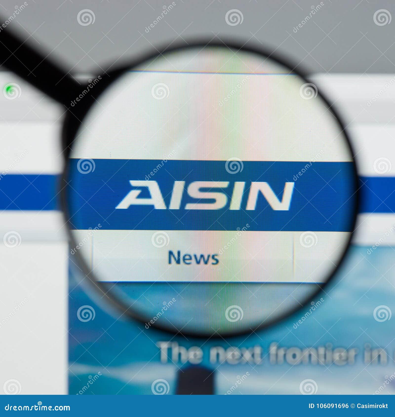Milão, Itália - 10 de agosto de 2017: Web site de Aisin Seiki É um Ja