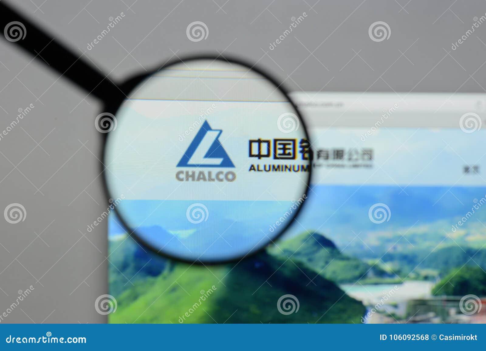 Milaan, Italië - Augustus 10, 2017: Aluminium Corp van de website van China