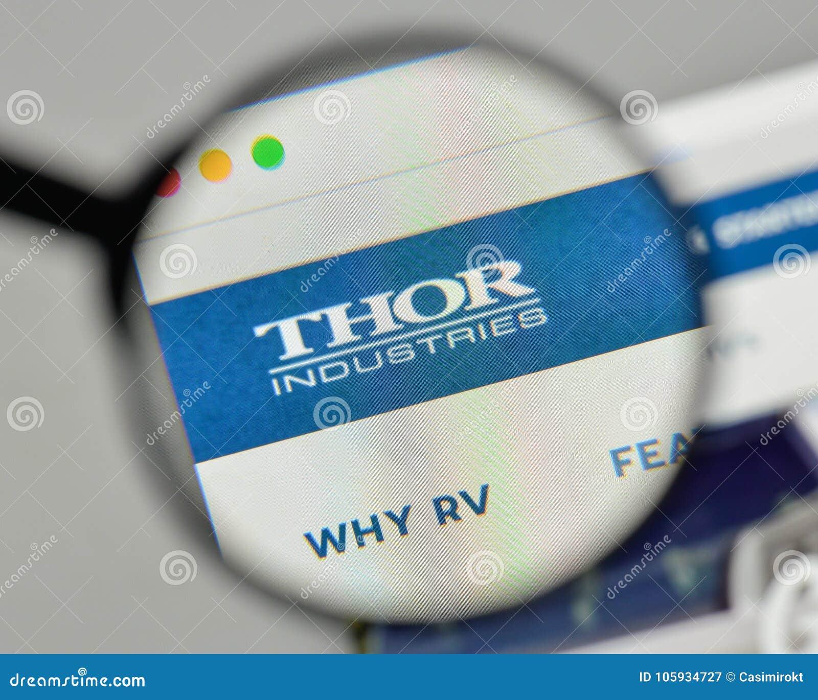 Milaan, Italië - November 1, 2017: Thor Industries-embleem op het Web