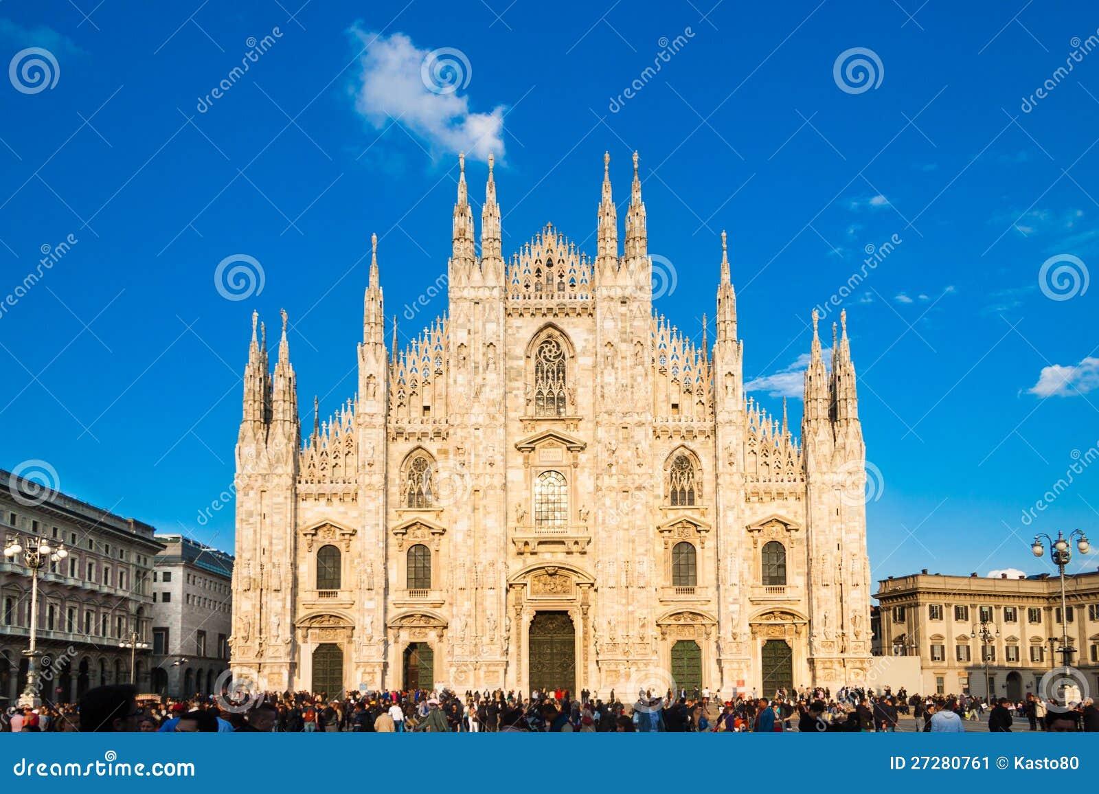 Milan Cathedral från fyrkanten