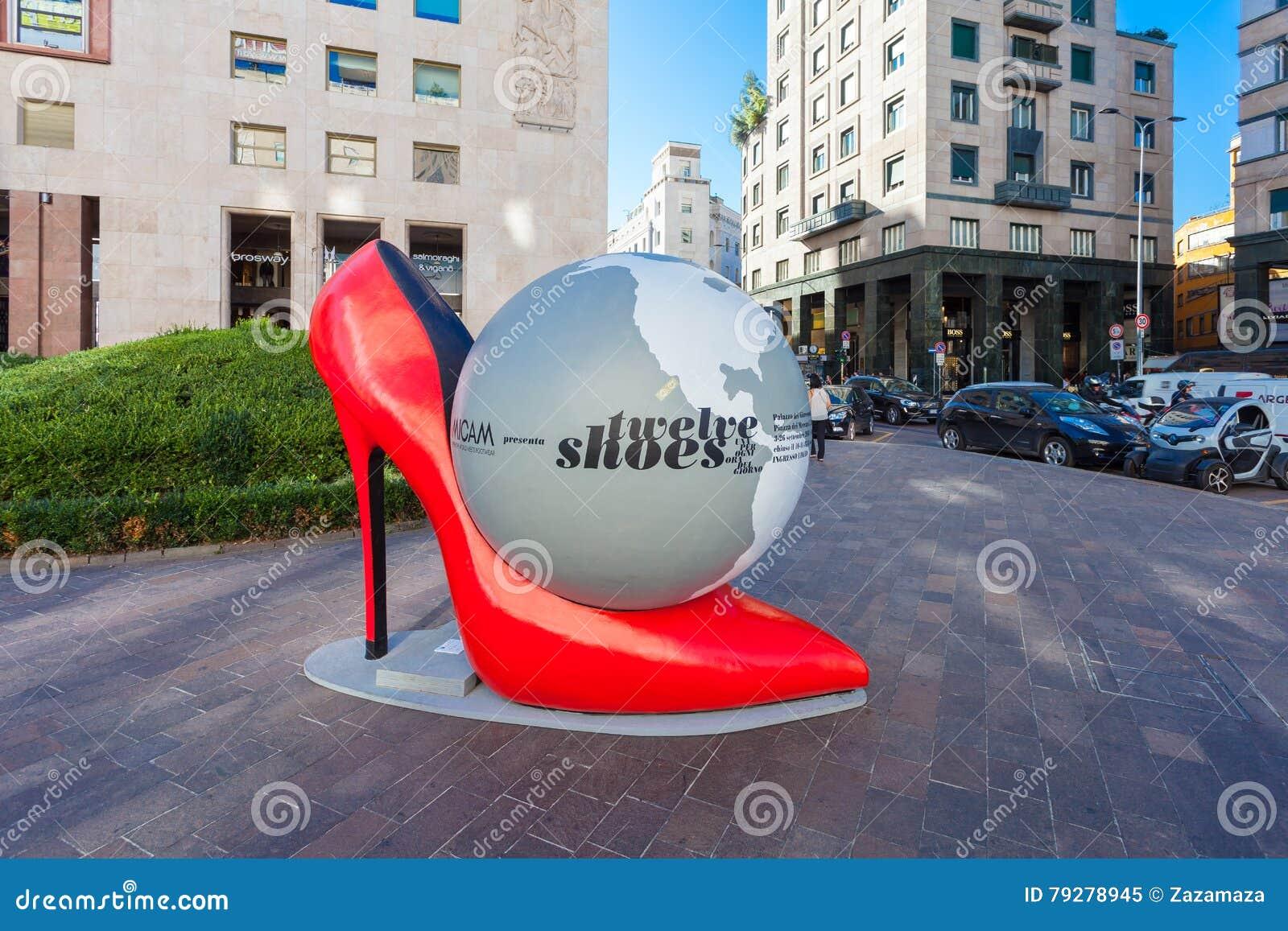 6 Septembre Des Chaussures MilanItalie 2016Installation oerCxdB