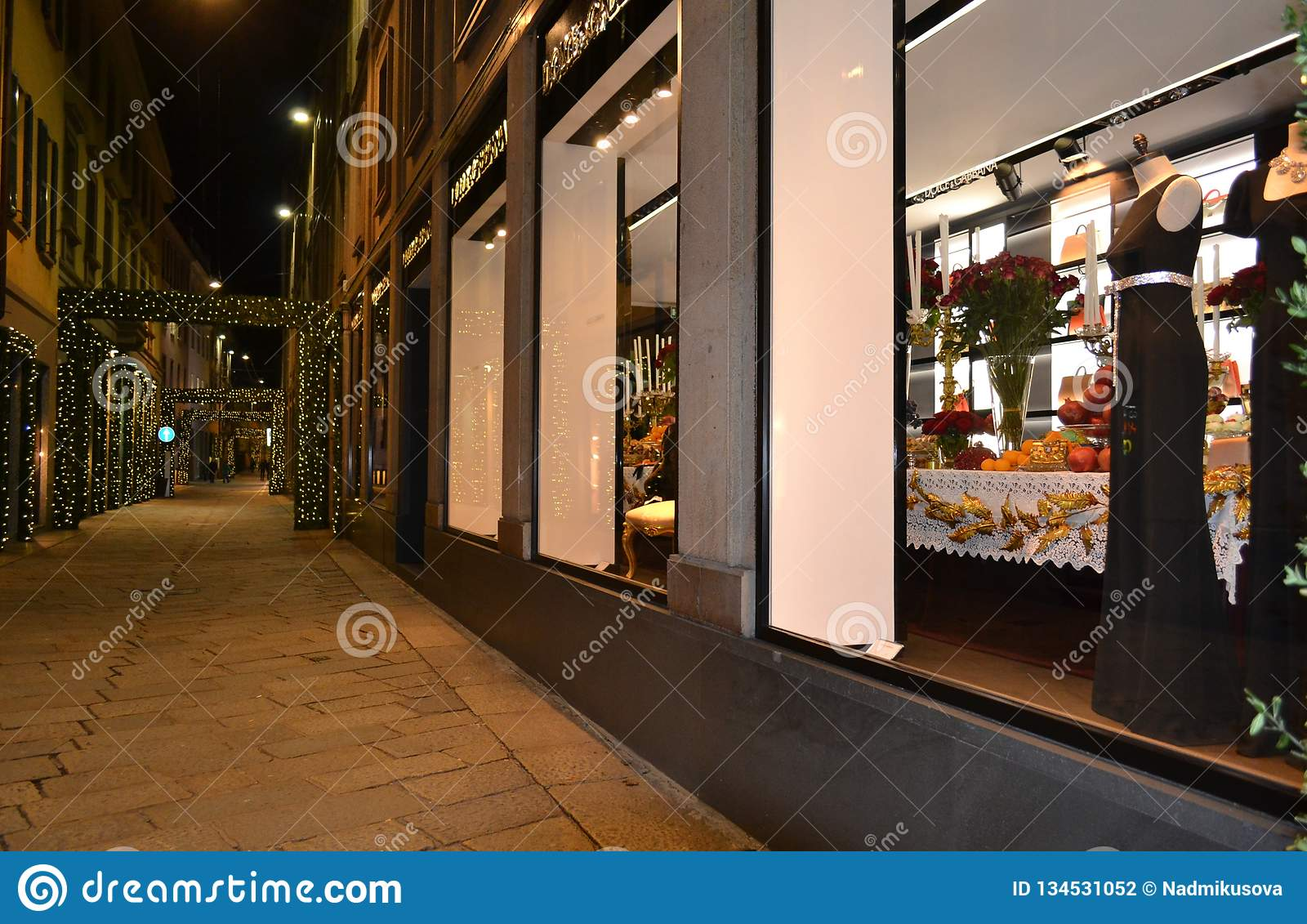 Night view to the Dolce   Gabbana fashion boutique for women decorated for  the Christmas holidays 5d4ee05eae0ef