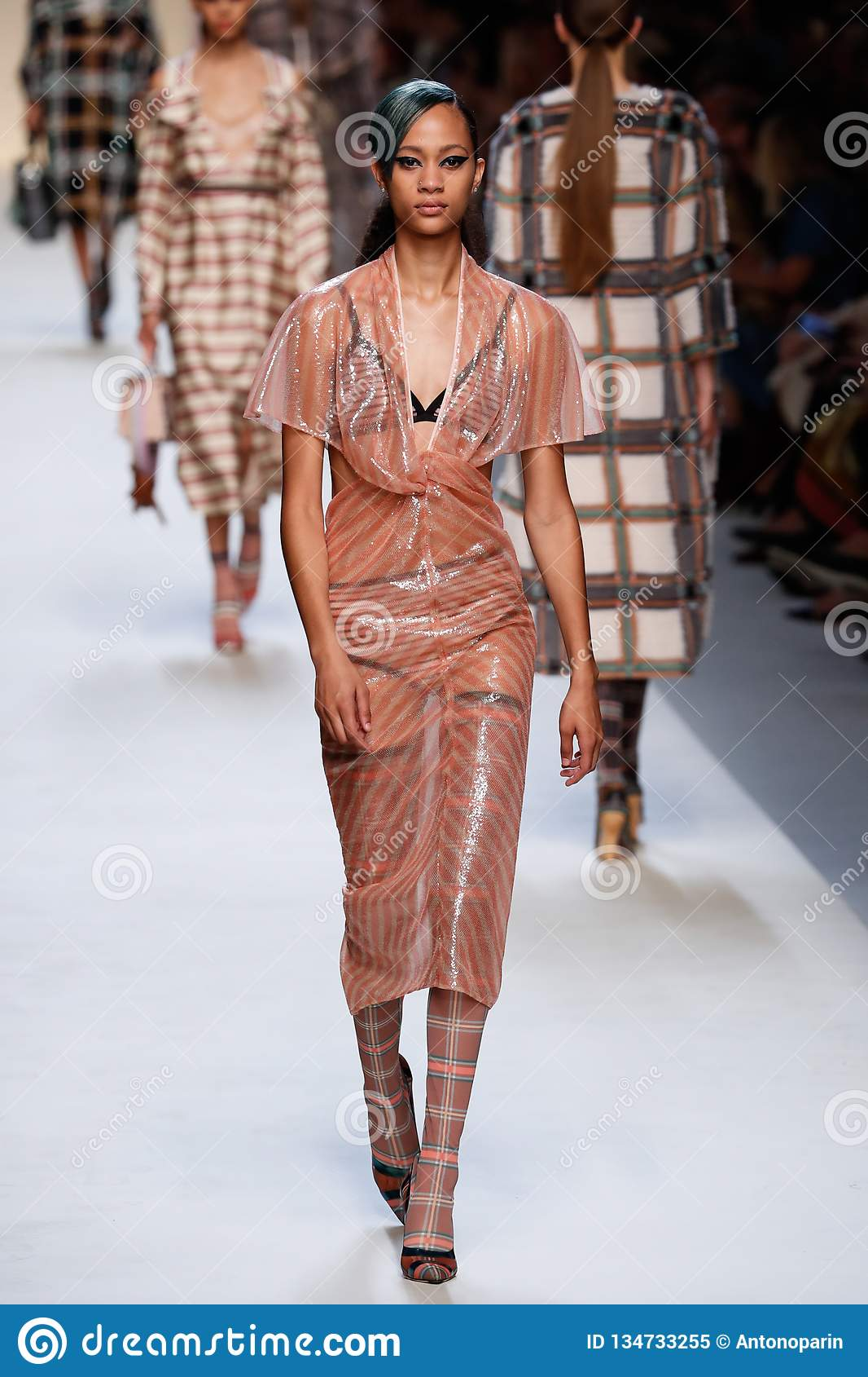 Fashion Collection of the Week: Models Dazzle in Spring