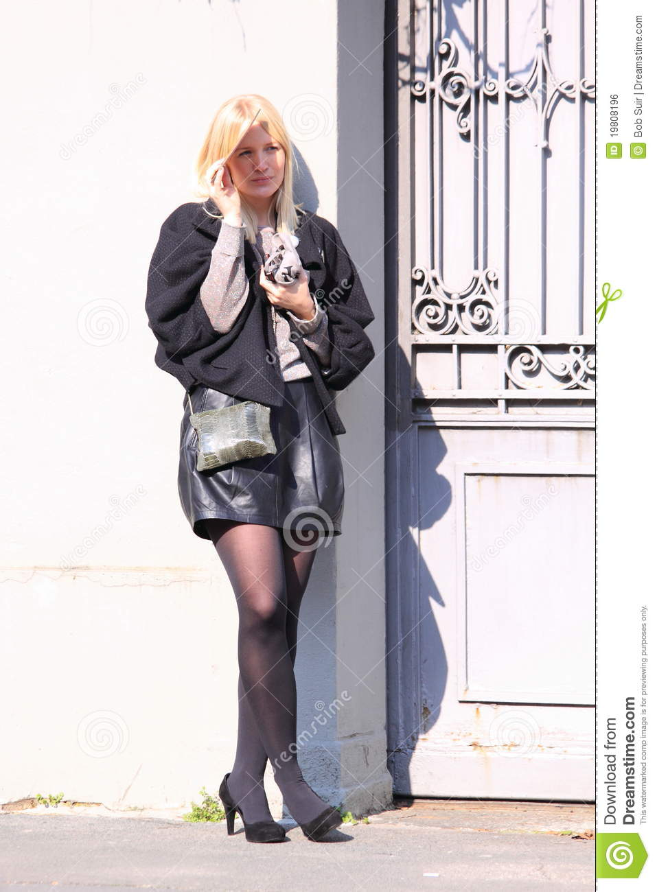 Milan streetstyle city fashion leather skirt