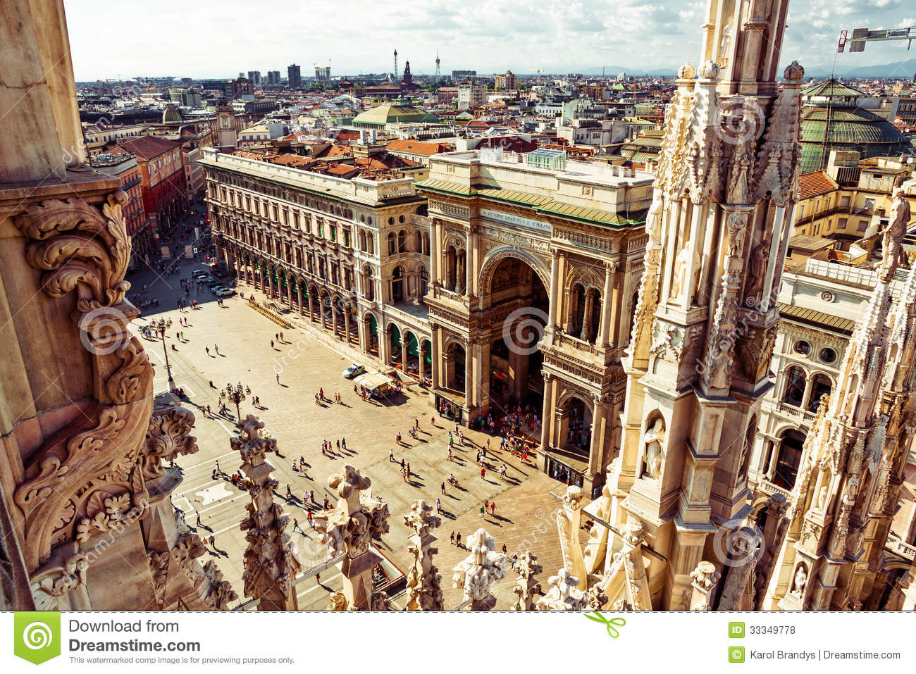 milano city square aerial view stock photo image 33349778. Black Bedroom Furniture Sets. Home Design Ideas